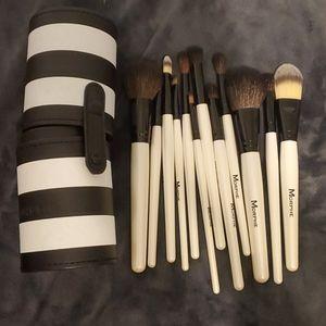 12 Brush set with Case